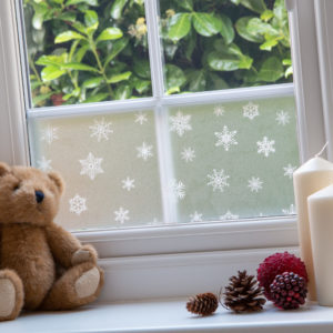20cm x 1.5m dc fix WINTER / XMAS BORDER SNOWFLAKES static cling vinyl window film (321-4001-W3)